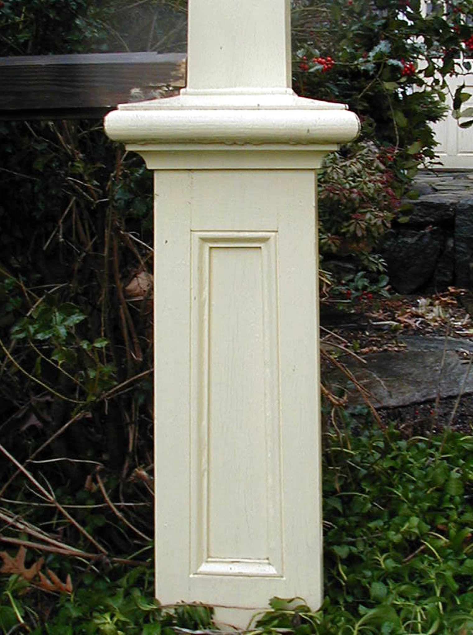 frugal yardb design landscaping lamp with slope small outdoor post for sloping yard lighting front bb a home ideas track bsloping garden